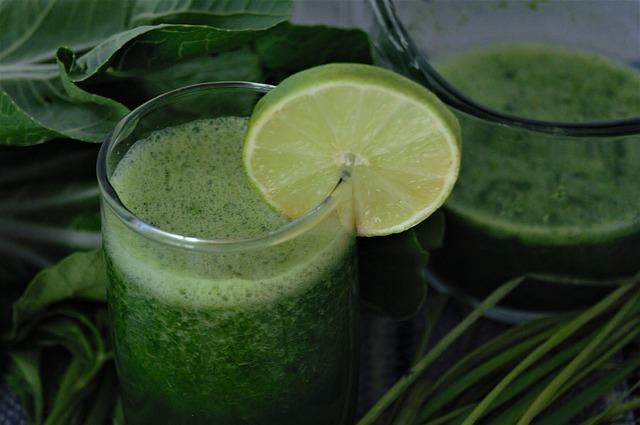 Razones para beber zumos naturales y prepararlos en casa